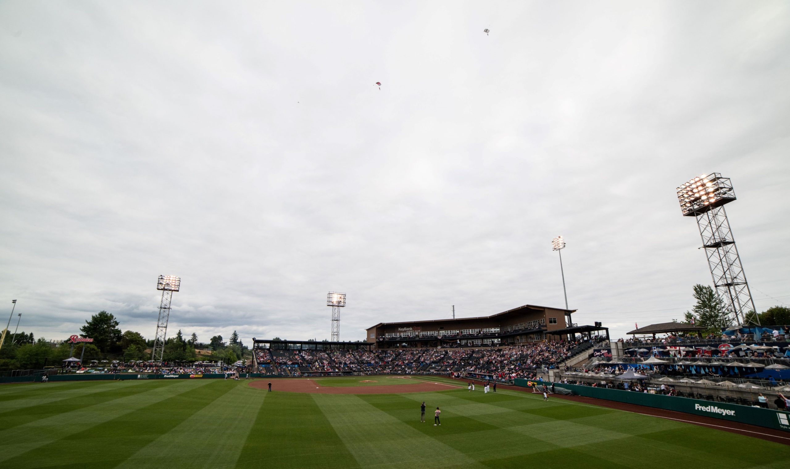 Tacoma Rainiers take the field at Cheney Stadium
